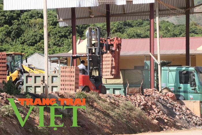 Công ty CP VLXD Sông Mã (Sơn La): Ngang nhiên xây dựng, sản xuất khi chưa đủ điều kiện - Ảnh 2.