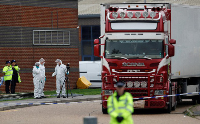 39 người chết trong container: tài xế khai xe chở bánh quy, nghi vấn chết ngạt - Ảnh 1.