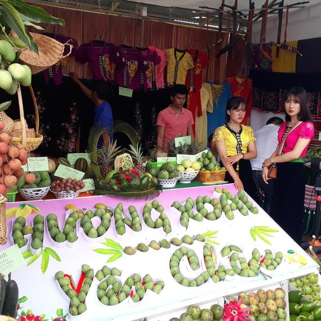 Yên Châu: Hỗ trợ nông dân đa diện, nhiều chiều - Ảnh 2.