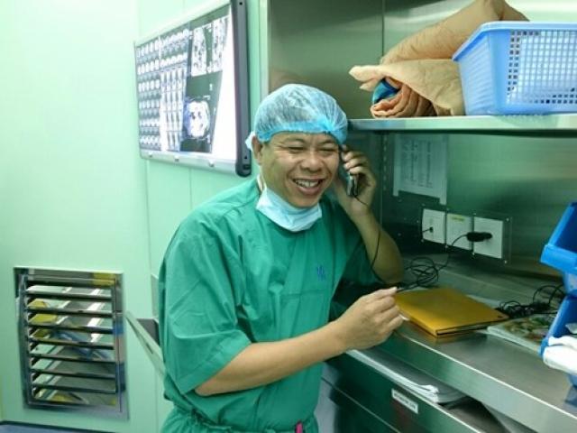 Niềm vui của bác sĩ cứu sống bệnh nhân hôn mê sâu qua... Facebook