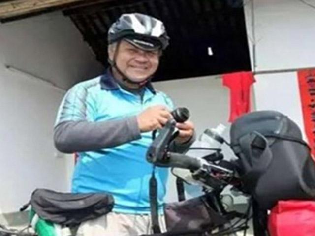 Người đàn ông 60 tuổi đạp xe xuyên quốc gia về quê