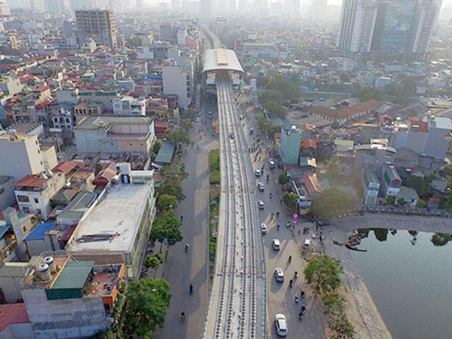 Ngắm tuyến đường sắt trên cao phục vụ 3 vạn khách mỗi giờ ở Hà Nội