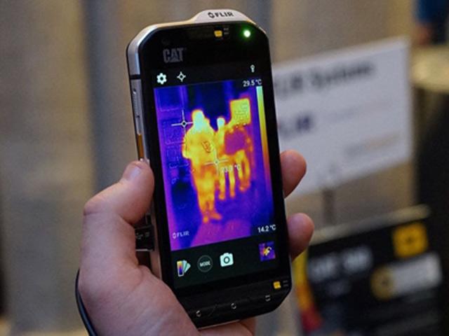 Đã có giá Cat S60 - smartphone camera nhiệt đầu tiên