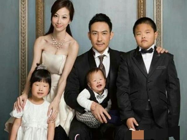 Lấy vợ xinh nhưng chồng nhất quyết đòi ly hôn sau khi sinh con