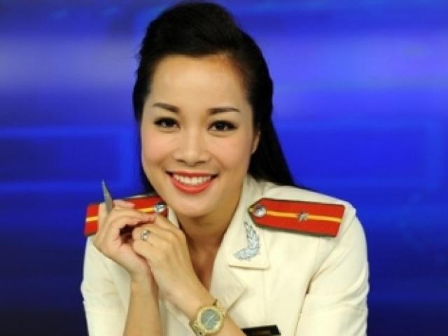 """""""Vàng Anh"""" Minh Hương thay đổi nhiều sau 10 năm"""