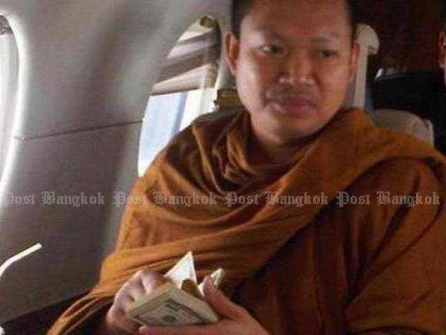 Nhà sư ăn chơi nhất Thái Lan hầu tòa vì cáo buộc hiếp dâm