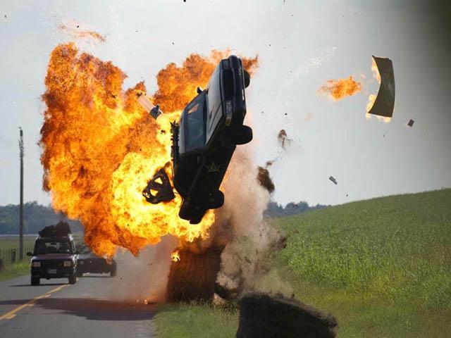 Đứng tim với những pha tai nạn xe hơi kinh hoàng trên màn ảnh