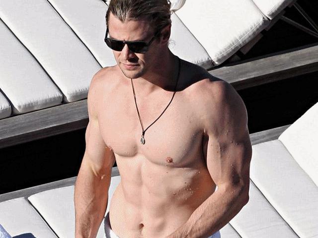 """Chế độ luyện tập """"chết người"""" để có thân hình như tạc tượng của thần Sấm Thor"""