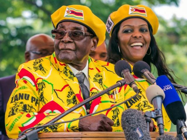 Số tiền khổng lồ cựu Tổng thống Zimbabwe được nhận khi từ chức