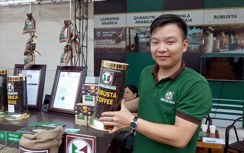 Thông qua hơn 40 đại lý hàng năm, Công ty Minh Tiến thu mua trên 15 ngàn tấn cà phê thóc, hơn 10.000 tấn cà phê quả