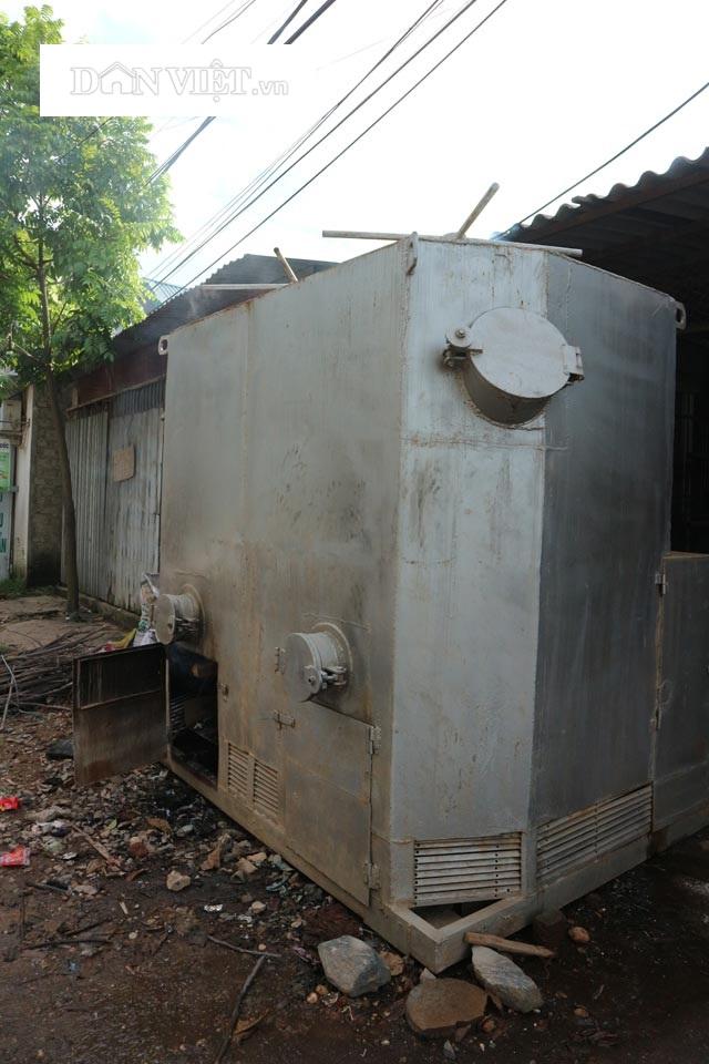 Mặt trước máy xử lý rác thải dân sinh của Nhóm Kim Cương Việt. Ảnh: Đăng Trình.
