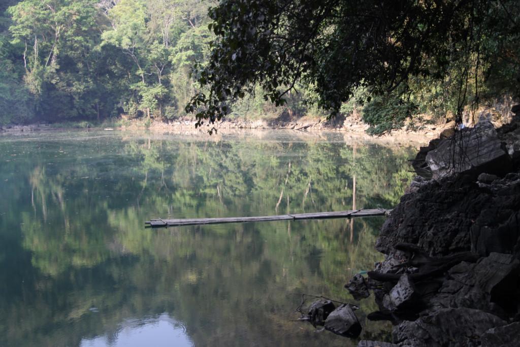 Ao Tiên cũng là một địa điểm du lịch tuyệt đẹp. Mặt ao phẳng lặng, trong xanh in bóng núi rừng xung quanh rất đẹp. Tương truyền nơi đây có các nàng tiên hạ xuống trần gian tắm trong ao nước xanh biếc này, nên gọi là Ao Tiên.