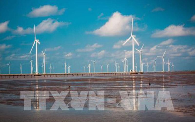 Khu du lịch điện gió Bạc Liêu là điểm du lịch mới của du khách tham quan trong vài năm trở lại đây. Ảnh: Trọng Đạt - TTXVN