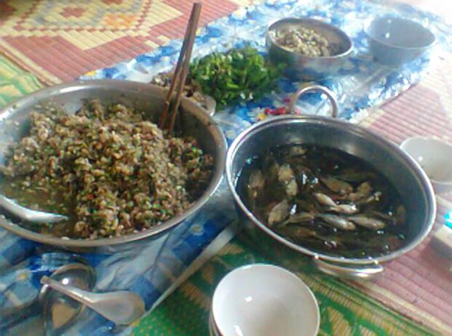 Cá nhảy - một món ăn ngon của người Thái ở Sơn La