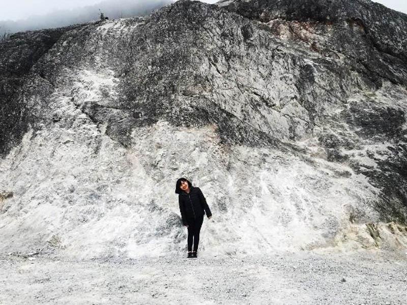 Những lớp đá vôi tạo cho đèo một vẻ đẹp ấn tượng, độc đáo. Ảnh: hang.tom