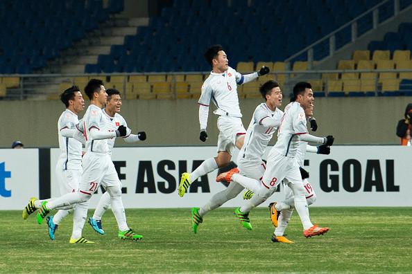VFF đang xin ý kiến về việc dùng xe buýt 2 tầng mui trần rước U23 Việt Nam sau trận trung kết từ Trung Quốc trở về.