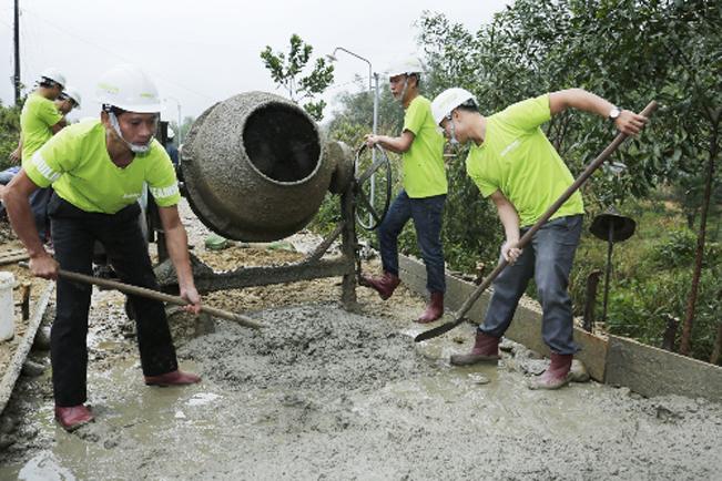 Triển khai xây dựng các tuyền đường giao thông nông thôn trên địa bàn tỉnh Thừa Thiên Huế.