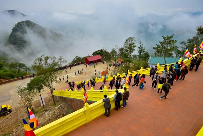 Hình ảnh của chùa Ngọa Vân đã được trùng tu tôn tạo lại.