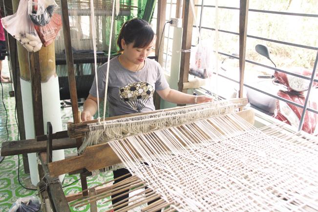 Nghề truyền thống phát triển ở Mai Châu.