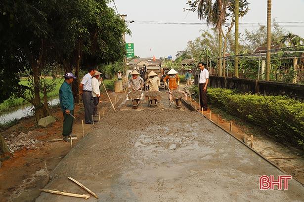 Sau đạt chuẩn NTM năm 2015, Cẩm Yên đã nỗ lực củng cố tiêu chí giao thông, nhưng đến nay vẫn chưa thể hoàn thành nên đã bị