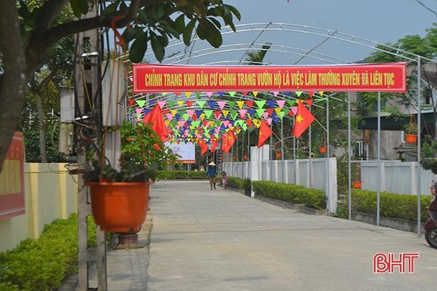Chỉnh trang khu dân cư, vườn hộ là việc làm thường xuyên, liên tục sau khi đạt chuẩn NTM của người dân xã Thạch Tân (Thạch Hà)