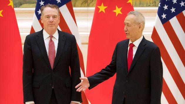 Bloomberg đưa tin Trung Quốc kỳ vọng thỏa thuận tạm thời, chứng khoán Mỹ tăng điểm - Ảnh 1.