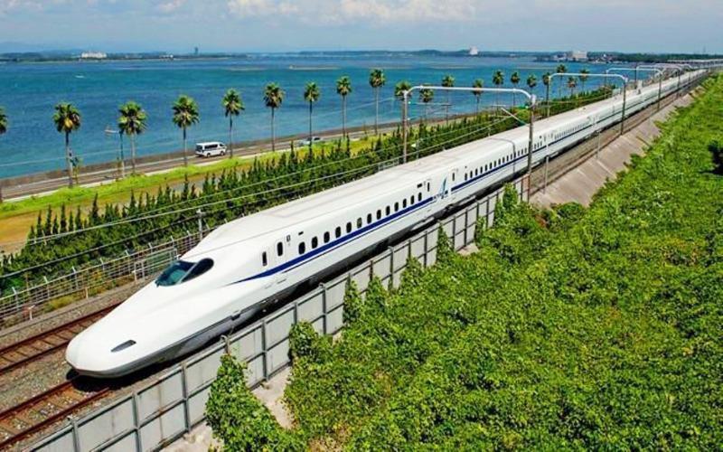 Xây mới tuyến đường sắt tốc độ cao 350 km/h - Ảnh 1.