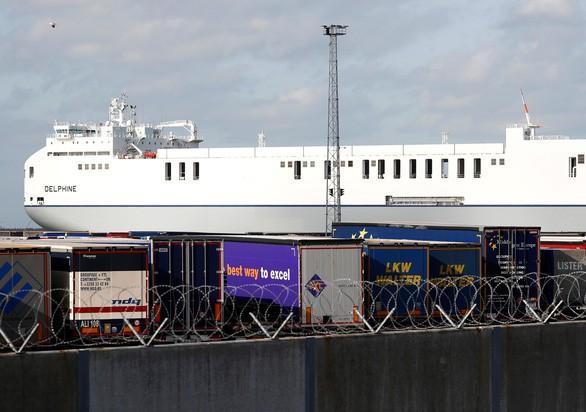 Tài xế chở container chứa thi thể 39 người bị truy tố với tội danh giết người - Ảnh 2.
