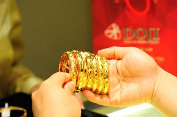 Giá vàng hôm nay 28/10, hướng tới 42 triệu đồng/lượng - Ảnh 1.