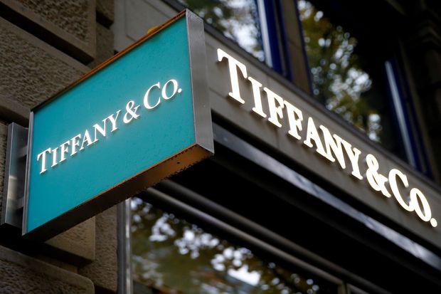 Công ty mẹ Louis Vuitton tính chi bao nhiêu để mua lại hãng trang sức danh giá Tiffany & Co.? - Ảnh 1.