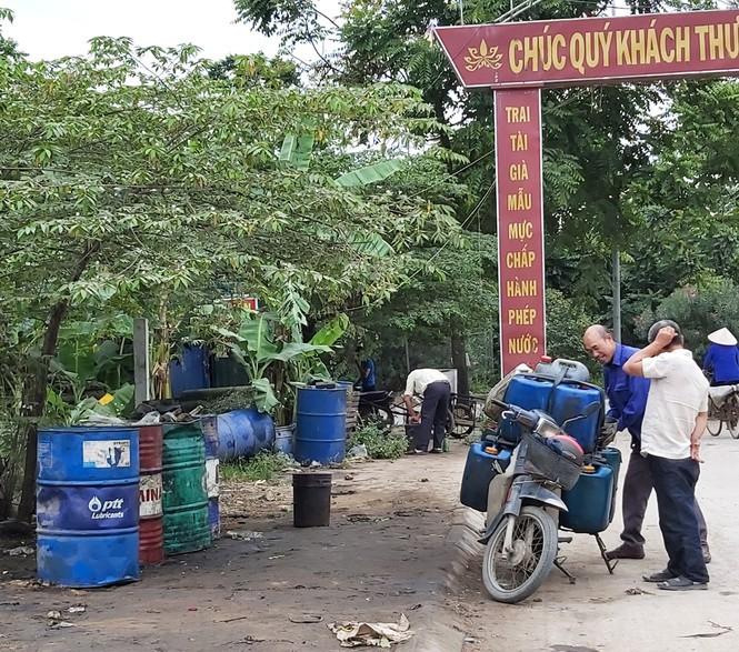 Cận cảnh làng thu gom dầu nhớt thải lớn nhất miền Bắc - Ảnh 3.