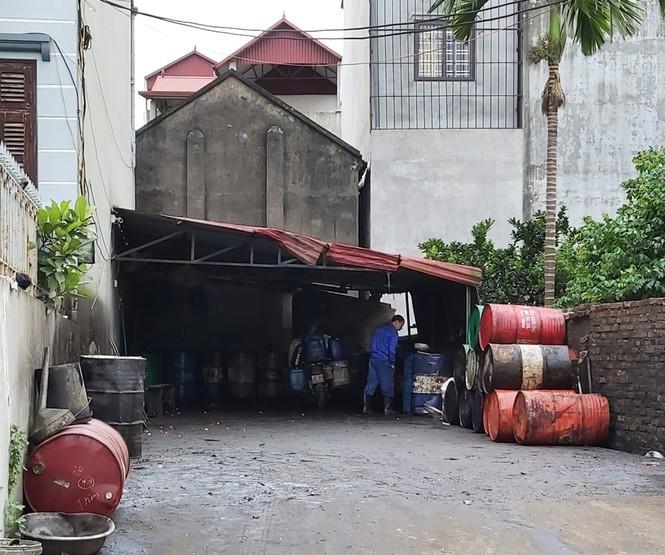 Cận cảnh làng thu gom dầu nhớt thải lớn nhất miền Bắc - Ảnh 9.
