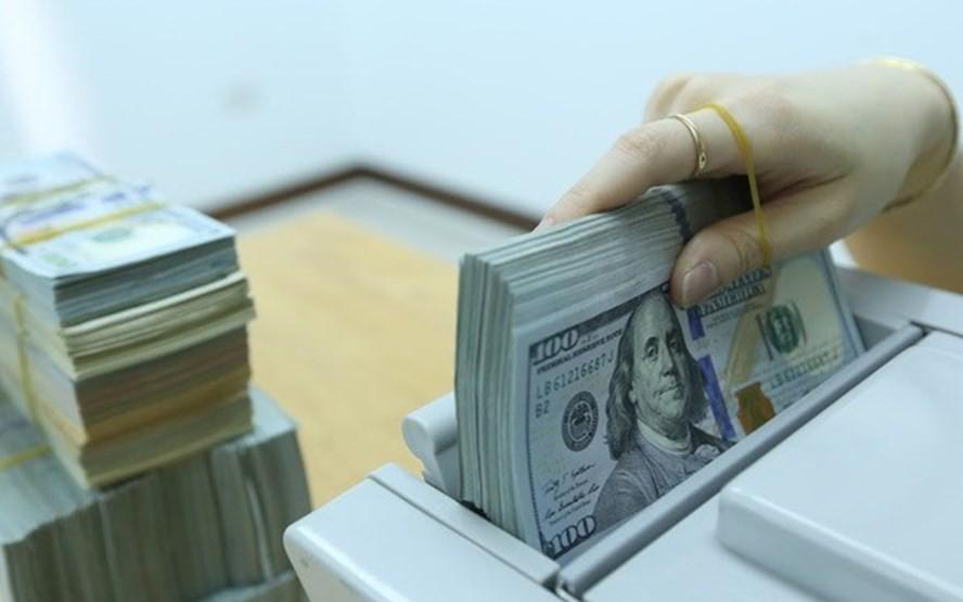 """Tỷ giá ngoại tệ hôm nay 30/10: Ngân hàng mua """"rẻ"""", bán """"đắt"""""""