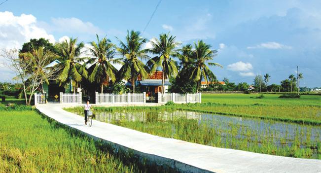 Nhờ triển khai nông thôn mới mà các làng quê ở Phú Yên ngày càng văn minh, hiện đại. Lê Minh