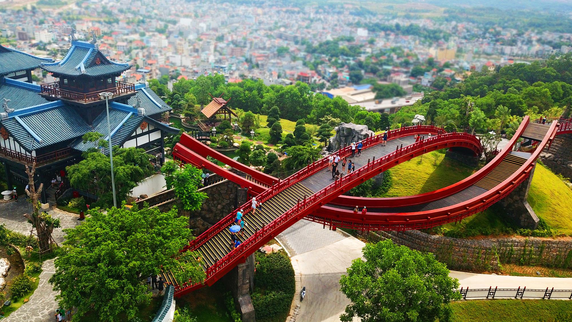 Kích cầu du lịch Quảng Ninh: Phấn đấu đón 10 triệu lượt khách trong năm 2021 - Ảnh 3.