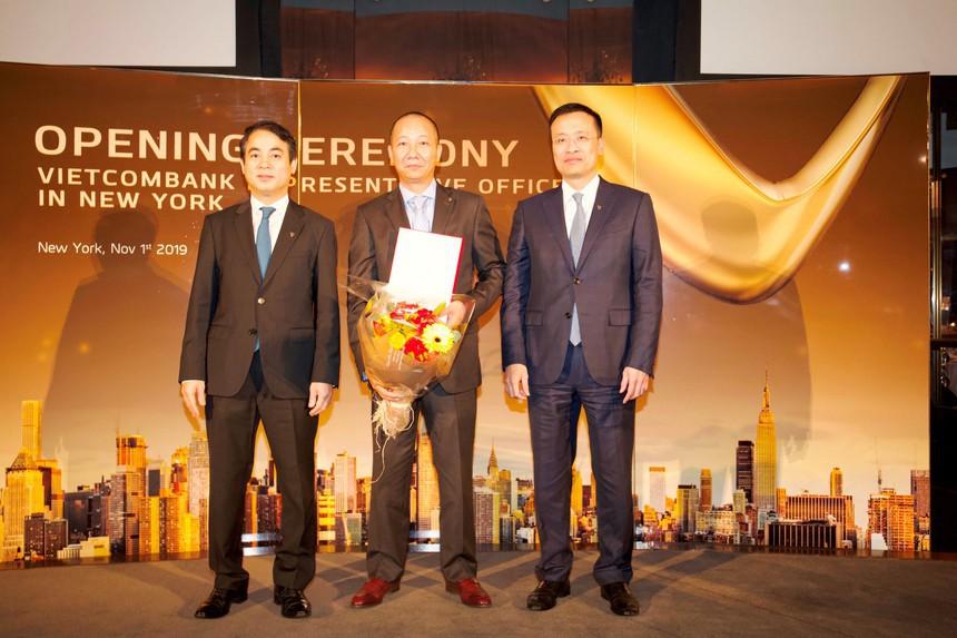 """Chủ tịch Nghiêm Xuân Thành nói về hành trình """"vượt ải"""" của Vietcombank """"đặt chân"""" vào Mỹ - Ảnh 4."""