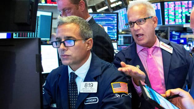 Mỹ công bố dữ liệu kinh tế tích cực, chứng khoán Mỹ tăng điểm  - Ảnh 1.