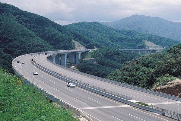 Quảng Ninh mời Tập đoàn Đèo Cả gỡ khó cho dự án cao tốc Vân Đồn – Móng Cái - Ảnh 3.