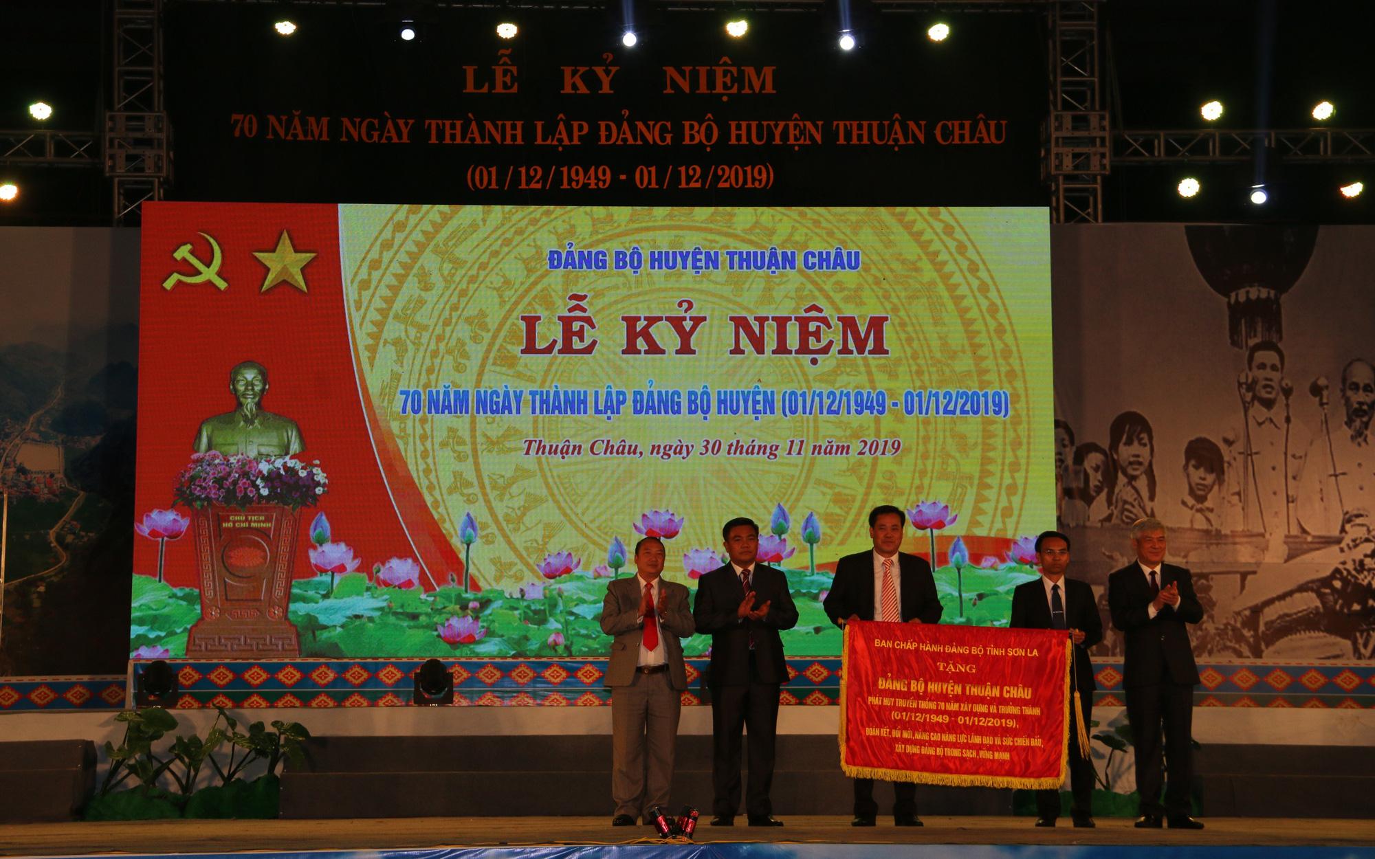 Đảng bộ huyện Thuận Châu kỷ niệm 70 năm ngày thành lập