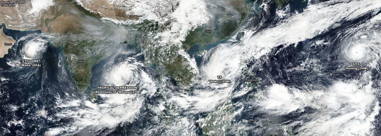 Bão số 6 diễn biến phức tạp vì phụ thuộc vào siêu bão Hạ Long - Ảnh 1.