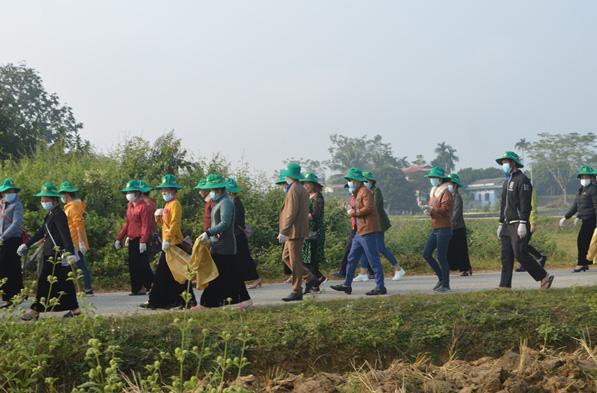 Điện Biên: Cùng nông dân thu gom bao gói thuốc bảo vệ thực vật sau sử dụng… - Ảnh 3.