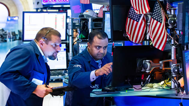 Chứng khoán Mỹ giảm điểm sau tín hiệu ảm đạm của thỏa thuận Mỹ Trung - Ảnh 1.