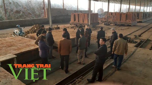 Ai chống lưng cho nhà máy gạch của Công ty CPVLXD Sông Mã hoạt động trái phép ? - Ảnh 5.