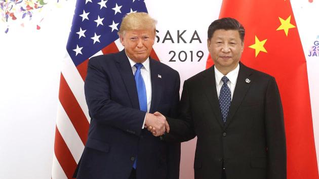 """Chủ tịch Tập Cận Bình điện đàm với Tổng thống Donald Trump, muốn kỷ thỏa thuận """"càng sớm càng tốt"""" - Ảnh 1."""