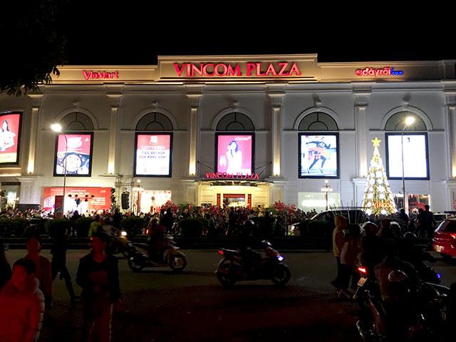 Khai trương dịp Giáng sinh, vạn người tấp nập đổ về Vincom Plaza Bắc Kạn - Ảnh 4.