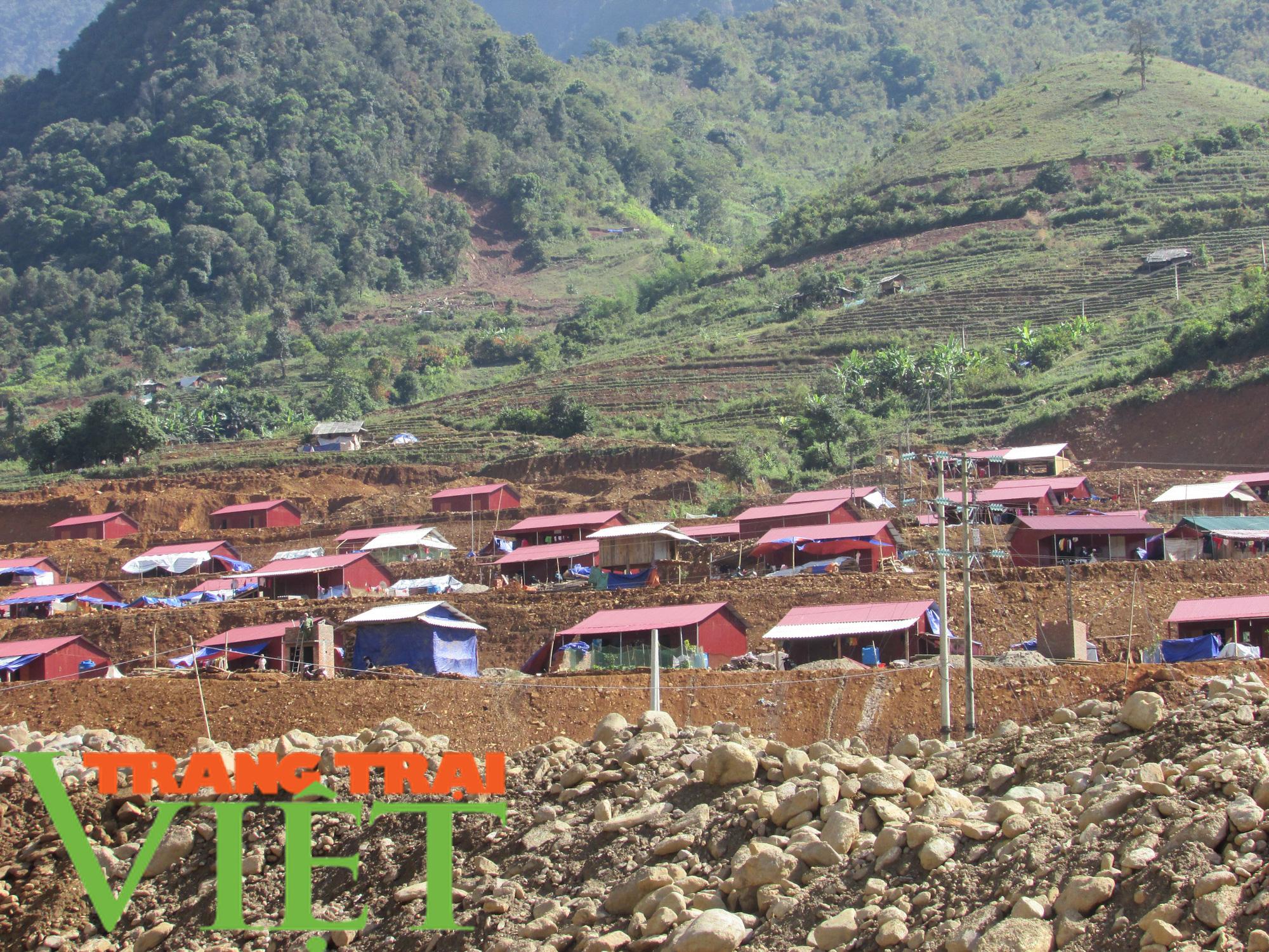 Các giải pháp giảm nghèo ở rốn lũ Mường La - Ảnh 1.