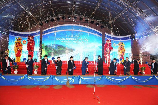 Lãnh đạo TW, Quảng Ninh cùng nhà đầu tư khởi công dự án.