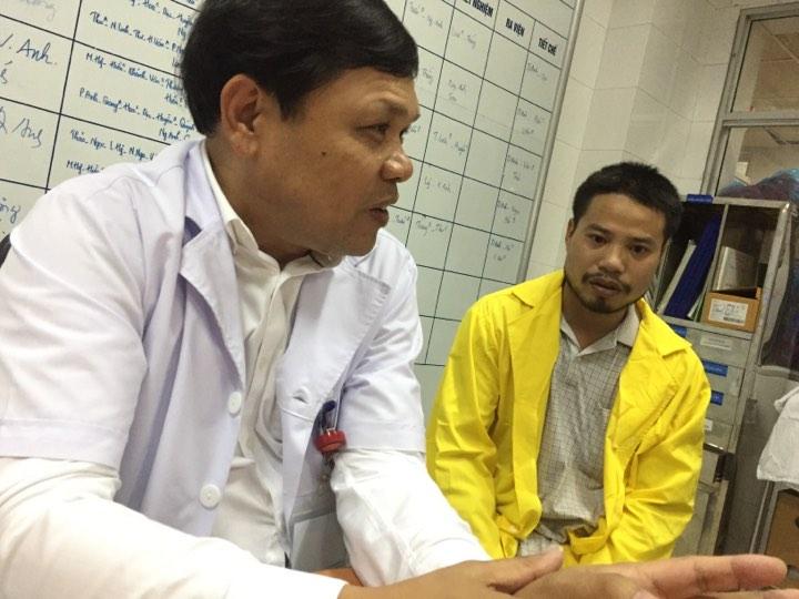 PGS. TS Trần Danh Cường, Giám đốc BV chia sẻ về sức khỏe của bé Bình An.