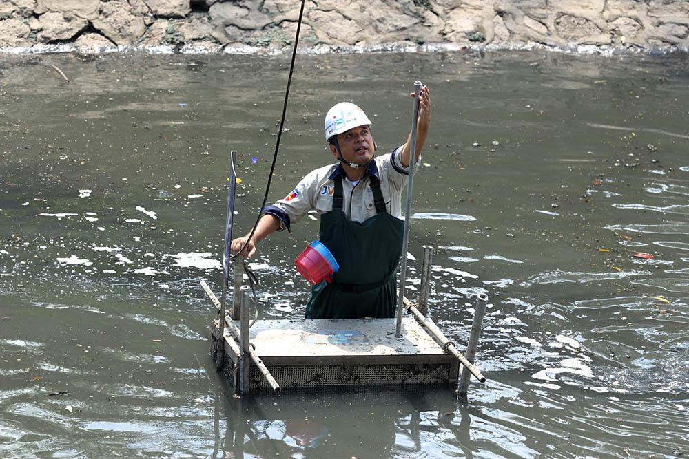 Lượng khí amoniac (NH3) gây mùi hôi thối đã giảm nhanh chóng, bùn dưới đáy sông bắt đầu bị phân hủy, giảm khoảng 20cm, xuất hiện lớp nước trong trên bề mặt bùn.