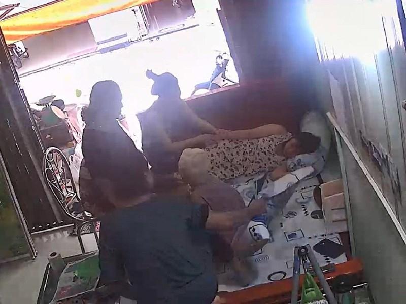 Cảnh Phương bị ngất khi bị quay clip (Cắt ra từ clip).